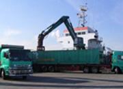 関西輸出向け船積み風景