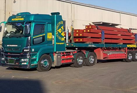 大型トレーラー製品車両